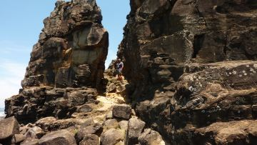 Iluka Bluff - Dean amongst the rocks
