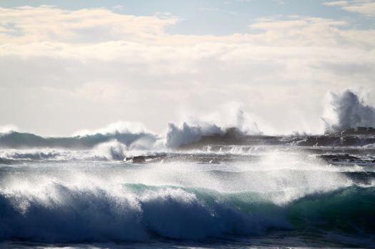 Waves breaking on Windang Island