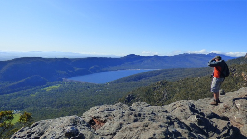 On the way to The Pinnacle with Lake Bellfield