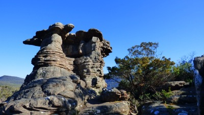 Rock formation on the way to The Pinnacle